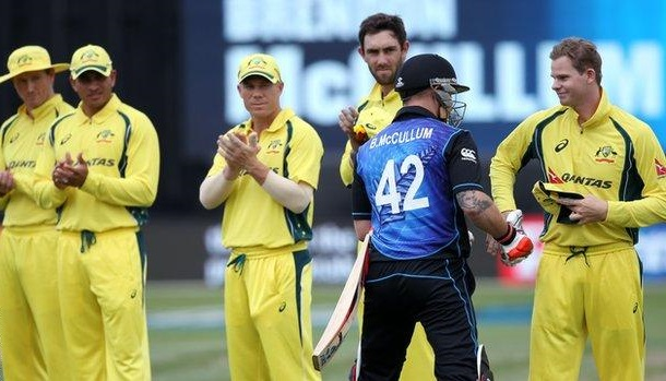 Australians give Brendon McCullum a guard of honour in his last ODI (getty mages)